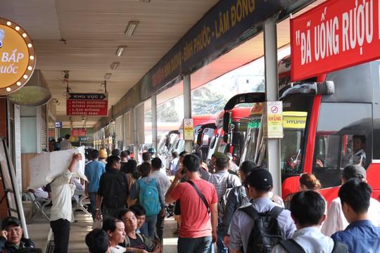 TP HCM: Bến xe, hãng xe thông báo kế hoạch tăng giá vé - Ảnh 1.