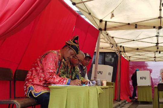 Indonesia dùng ma cà rồng lôi kéo cử tri tới bỏ phiếu - Ảnh 5.