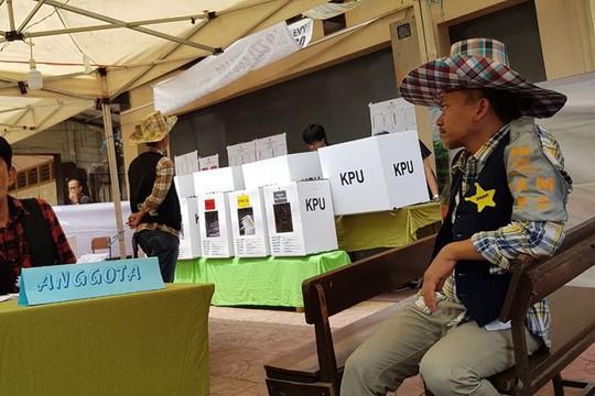 Indonesia dùng ma cà rồng lôi kéo cử tri tới bỏ phiếu - Ảnh 4.