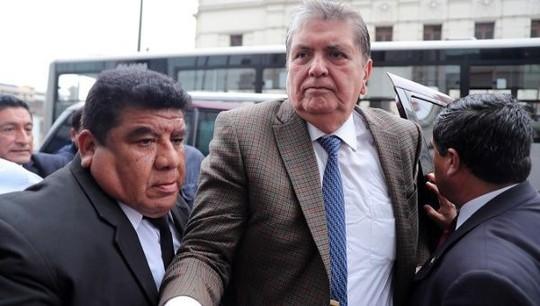 Cựu Tổng thống Peru nói gì trước khi tự bắn vào đầu? - Ảnh 1.