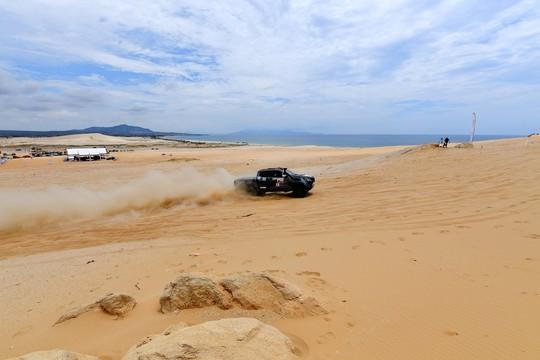 Quá hấp dẫn giải đua xe địa hình sa mạc ở Ninh Thuận - Ảnh 3.