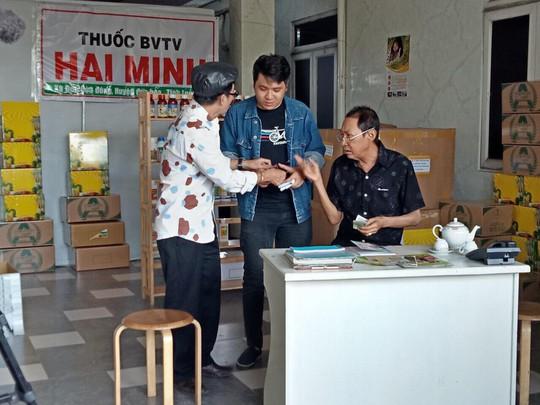 Nghệ sĩ Lê Bình ráng viết cho xong quyển hồi ký cuộc đời - Ảnh 5.