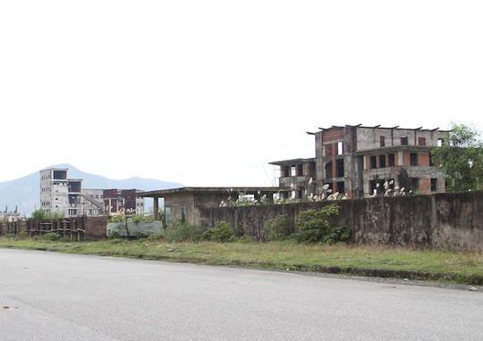 Cận cảnh nhà máy thép 1.700 tỉ đồng bỏ hoang đem đấu giá chỉ hơn 100 tỉ đồng - Ảnh 2.