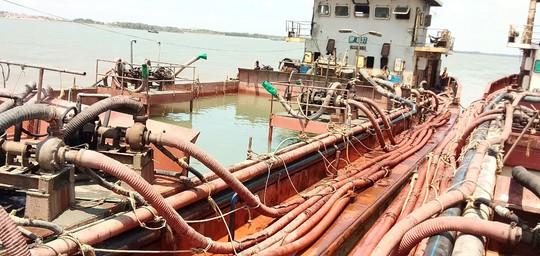 Lột trần hoạt động mờ ám của 4 phương tiện thủy trên biển Cần Giờ - Ảnh 1.