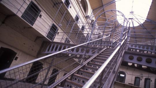 Tù nhân Mỹ kiện nhà tù vì điều kiện sống quá tệ - Ảnh 1.