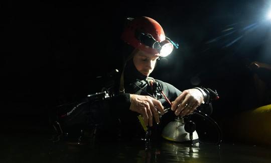 Phát hiện mới về hệ thống hang ngầm sâu hơn mực nước biển ở Sơn Đoòng - Ảnh 5.