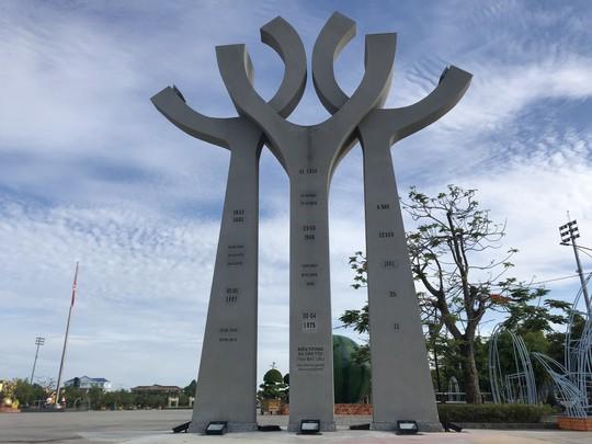 Chiêm ngưỡng những công trình kỷ lục Việt Nam tại quảng trường lớn nhất ĐBSCL - Ảnh 11.
