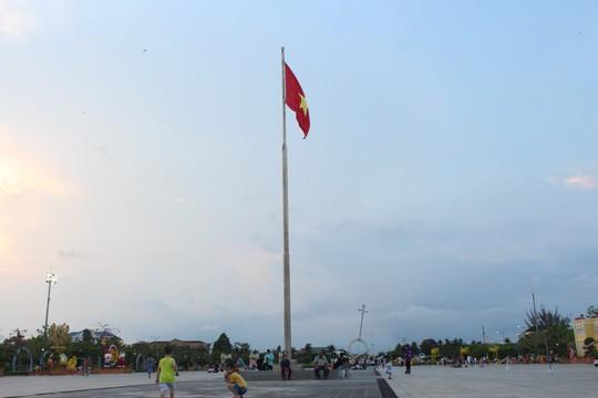 Chiêm ngưỡng những công trình kỷ lục Việt Nam tại quảng trường lớn nhất ĐBSCL - Ảnh 4.