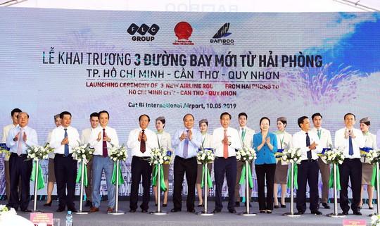 Thủ tướng Nguyễn Xuân Phúc dự lễ khai trương 3 đường bay mới từ Hải Phòng - Ảnh 1.