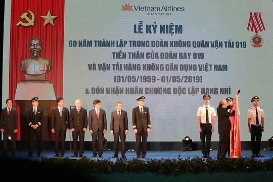 Thủ tướng: Việt Nam không còn phụ thuộc lực lượng phi công nước ngoài - Ảnh 1.