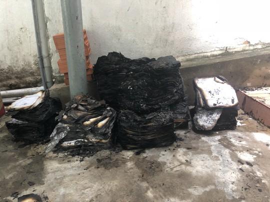 Giám đốc Văn phòng Đăng ký đất đai Bình Định nói gì về vụ cháy cơ quan? - Ảnh 1.