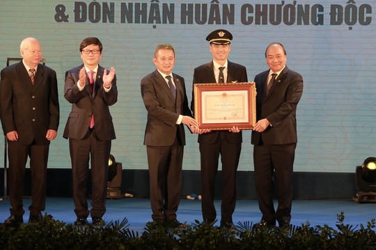 Thủ tướng: Việt Nam không còn phụ thuộc lực lượng phi công nước ngoài - Ảnh 3.