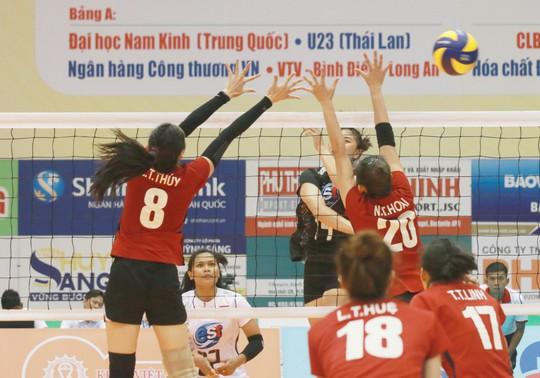 VTV Bình Điền Long An đánh bại Đại học Nam Kinh (Trung Quốc) - Ảnh 10.