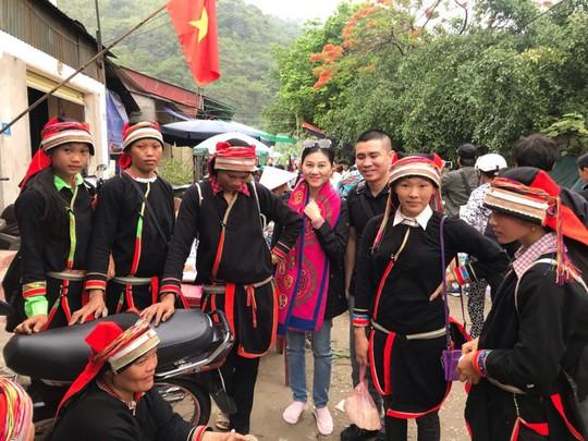 Vì Chuyện tình Khau Vai, nghệ sĩ phải khăn gói lên miền núi Hà Giang - Ảnh 10.