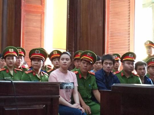 Tòa bất ngờ hoãng tuyên vụ Văn Kính Dương, quay lại phần xét hỏi - Ảnh 2.