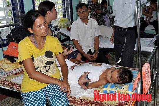 Vụ bé 9 tuổi bị phỏng gia đình không cho chữa: Đã đưa được từ huyện lên tỉnh chữa trị - Ảnh 1.