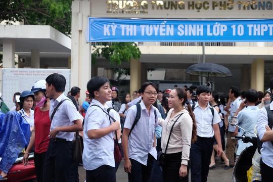 Vụ Đà Nẵng bỏ thi môn ngoại ngữ vào lớp 10: Lộ đường dây học 3 ngày lấy chứng chỉ quốc tế - Ảnh 1.