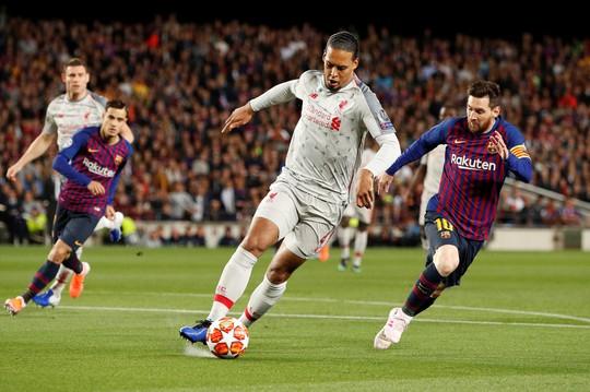 Xem Van Dijk cầu cứu đồng đội để ngăn chặn Messi - Ảnh 2.