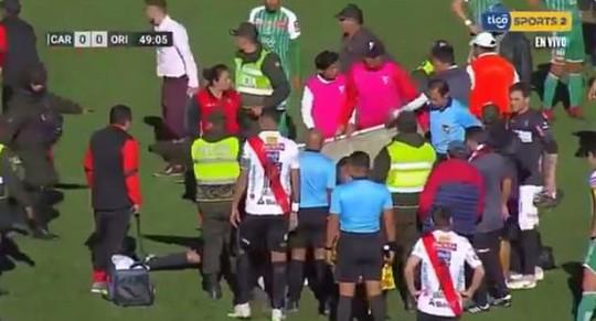 Clip: Trọng tài Bolivia đột tử sau 2 cơn đau tim - Ảnh 3.