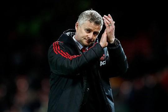 Sắm tân binh 15 triệu bảng, Man United bán sạch vé trọn mùa thần tốc - Ảnh 1.