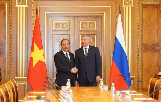 Thủ tướng Nguyễn Xuân Phúc hội kiến Tổng thống Nga Putin - Ảnh 4.
