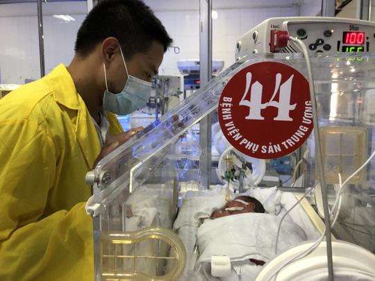 Bé sơ sinh con người mẹ trẻ ung thư giai đoạn cuối giờ ra sao? - Ảnh 9.