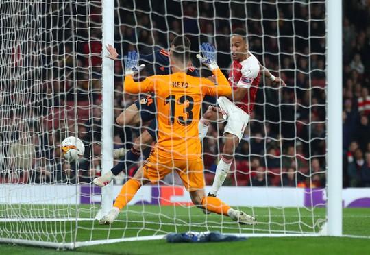 Ngược dòng giành lợi thế, Arsenal và Chelsea mơ vé chung kết Europa League - Ảnh 8.