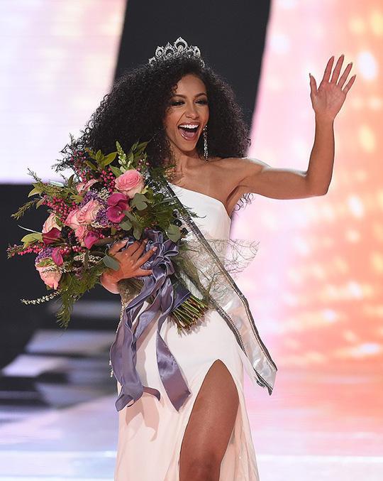 Nữ luật sư đăng quang Hoa hậu Mỹ 2019 - Ảnh 3.