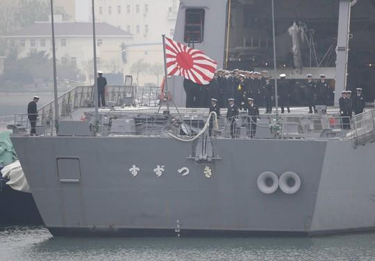 Thủ tướng Abe quyết sửa đổi hiến pháp Nhật Bản - Ảnh 1.