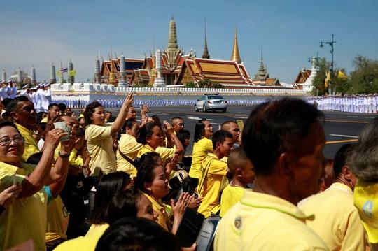 Thái Lan tổ chức lễ đăng quang của Quốc vương - Ảnh 1.