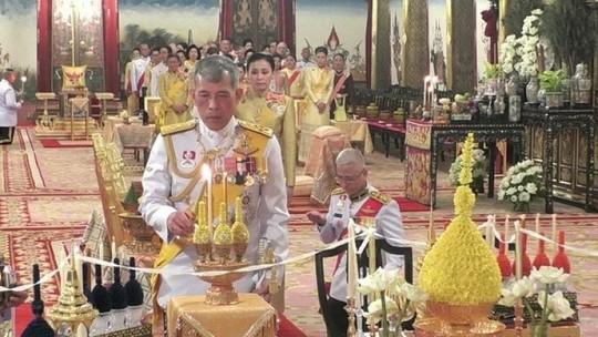 Thái Lan tổ chức lễ đăng quang của Quốc vương - Ảnh 6.