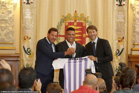 Ronaldo béo nói gì trước nghi án Valladolid bán độ - Ảnh 1.