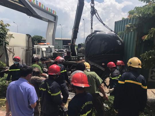 Bắt tài xế xe container lùa ôtô khiến 5 người chết - Ảnh 1.