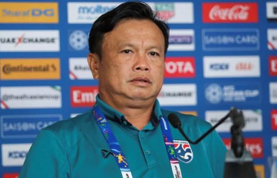 HLV Thái Lan nhắc đến tuyển Việt Nam trước khi từ chức - Ảnh 1.