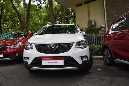Hàng trăm ô tô thương hiệu Việt VinFast Fadil đến tay khách hàng - Ảnh 4.