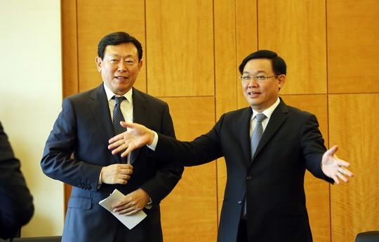 Gặp các tập đoàn Hàn Quốc, Phó Thủ tướng đề nghị chọn Việt Nam là cứ điểm - Ảnh 1.