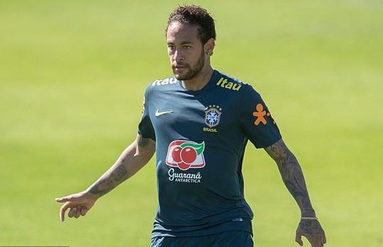 Người phụ nữ bí ẩn dọa khiến Neymar thân bại danh liệt - Ảnh 6.