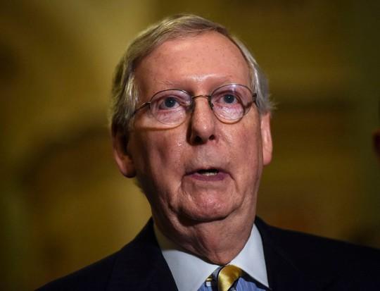 Thượng viện Mỹ bỏ phiếu chặn thương vụ vũ khí của ông Trump - Ảnh 1.