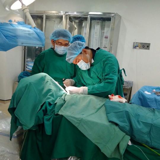 Trị xong áp xe ruột thừa, cụ ông nghèo 82 tuổi cần được đặt máy tạo nhịp tim - Ảnh 1.