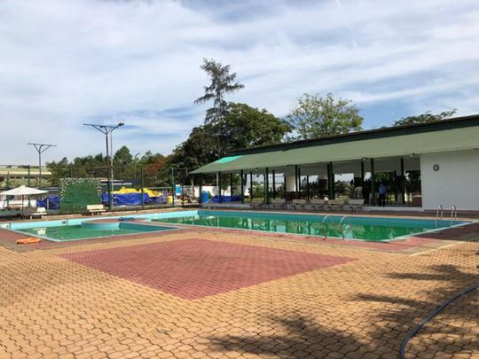 Nhiều sai phạm ở hồ bơi khách sạn có 2 nam sinh tử vong - Ảnh 1.