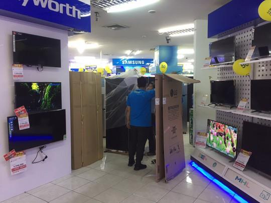 Nhiều siêu thị điện máy ngưng kinh doanh sản phẩm Asanzo - Ảnh 1.