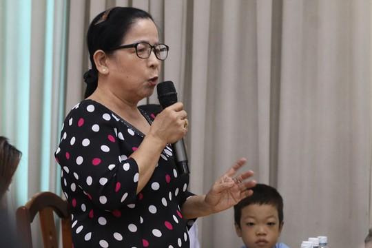 Tiếp xúc đại biểu HĐND TP HCM, cử tri quận 2 bức xúc chuyện Thủ Thiêm - Ảnh 1.