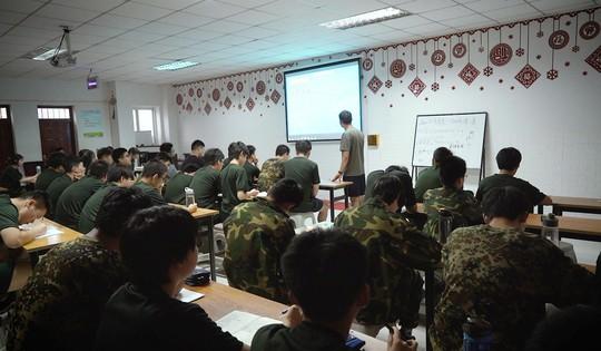 Cai nghiện mạng Internet… kiểu quân đội - Ảnh 3.