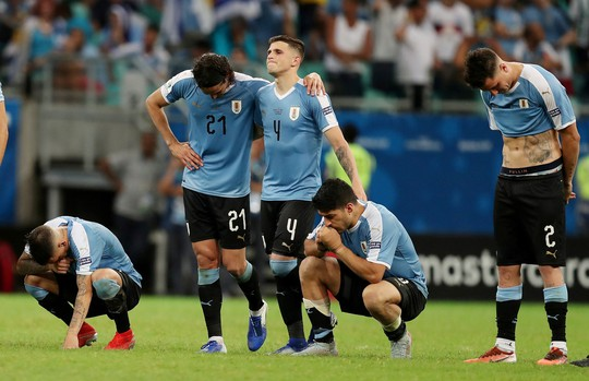 Suarez đá hỏng 11 m, Uruguay thua sốc Peru ở Copa America - Ảnh 8.