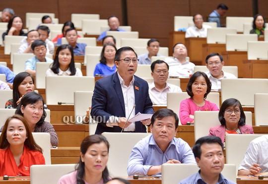 ĐB Lưu Bình Nhưỡng tranh luận với Bộ trưởng Nguyễn Văn Thể về lôi kéo nhân lực hàng không - Ảnh 2.