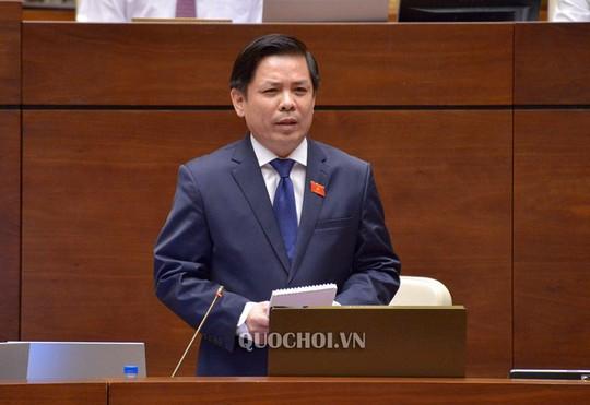 ĐB Lưu Bình Nhưỡng tranh luận với Bộ trưởng Nguyễn Văn Thể về lôi kéo nhân lực hàng không - Ảnh 1.