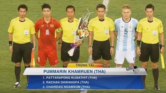 Trọng tài Thái Lan bắt chung kết King's Cup: Khó có chuyện ép đội Việt Nam - Ảnh 1.