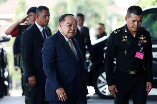 """Phó Thủ tướng Thái Lan """"gây bão"""" vì di chuyển 100 km bằng máy bay triệu USD - Ảnh 2."""