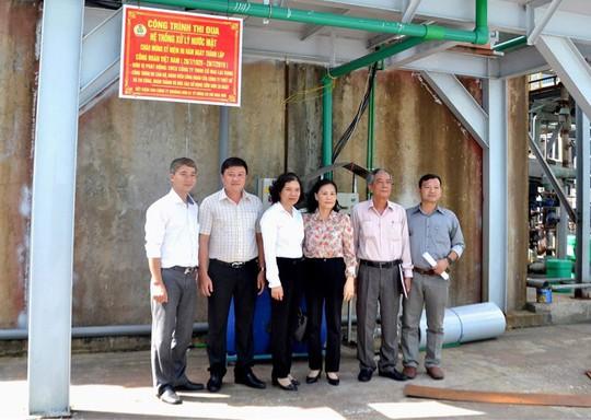 ĐỒNG THÁP: Gắn biển công trình mừng ngày thành lập Công đoàn Việt Nam - Ảnh 1.