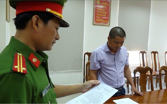 Gã sếp bất lương ở Quảng Bình - Ảnh 1.